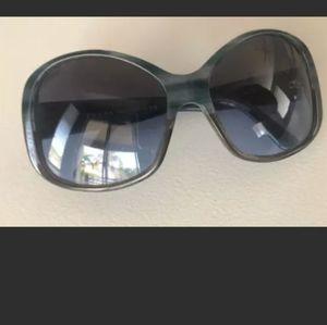 🎉HP🎉 Prada Women's Gorgeous Sunglasses #SPR03
